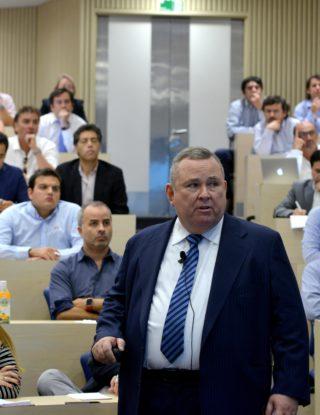 Roberto Bonifaz: Chile está excelentemente posicionado para sufrir menos problemas ante una ineludible crisis financiera mundial