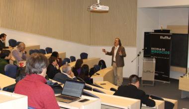 """Charla sobre los desafíos en I+D dio inicio al ciclo """"Miércoles de Descubrimientos"""" en la UAI"""